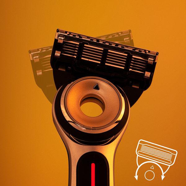 Бритвенный станок Gillette Labs Heated Razor с 2 сменными кассетами